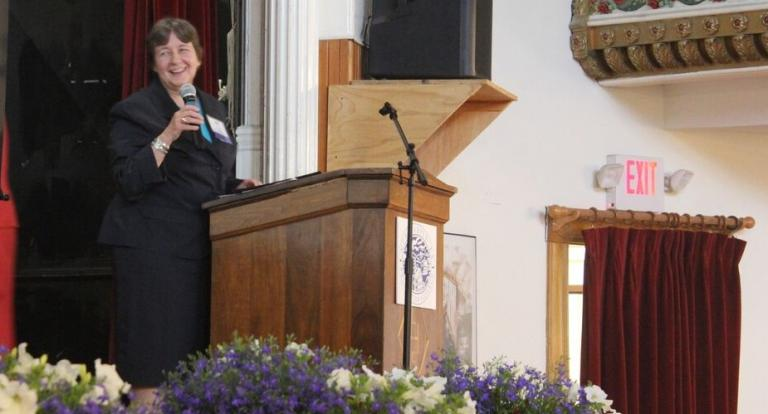 Image of Terry Knowles, Carsey School Faculty Member, Speaking to a Crowd