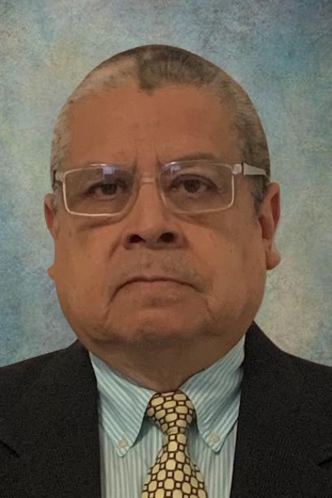 Headshot of Gerardo Espinoza, Master in Community Development Faculty at the Carsey School